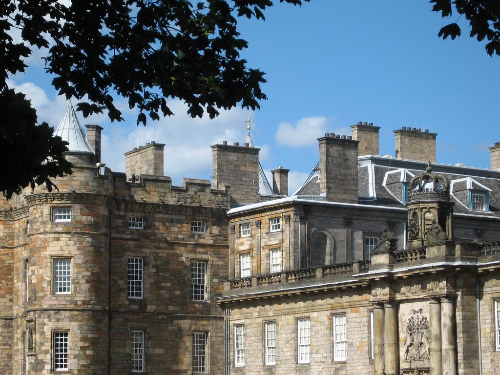 Hollyrood Palace Edinburgh