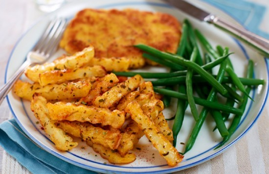 Pork-Schnitzel-with-paprika-and-herb-chips.jpg@3751