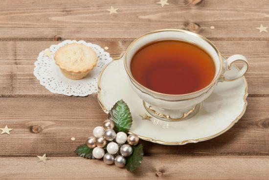 Mince pie and tea