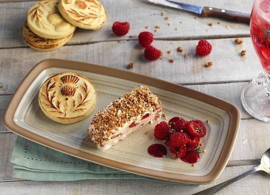 cranachan-dessert-with-glass_sml