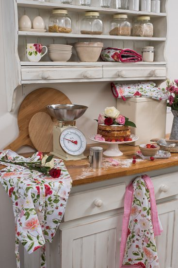 RHS Traditional Rose Range Lifestyle 1