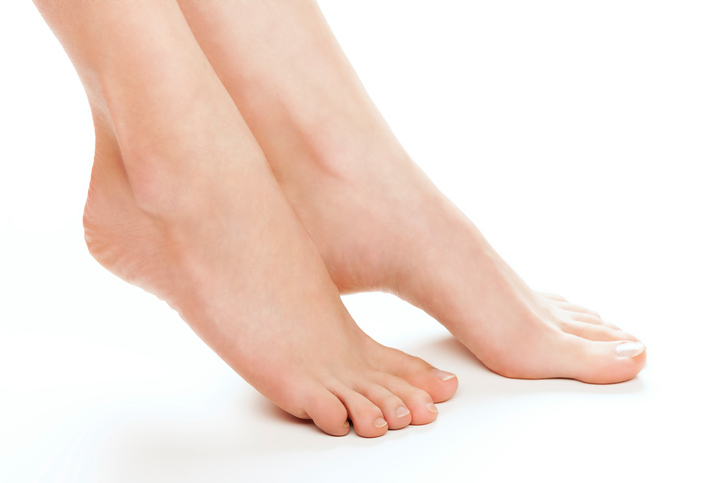 Female foot toenails