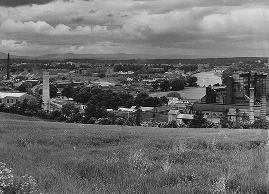 H313 Perth 1963-1965 1965-06-21 00_10 (C)DCT A visitors first view of Perth Entering the city
