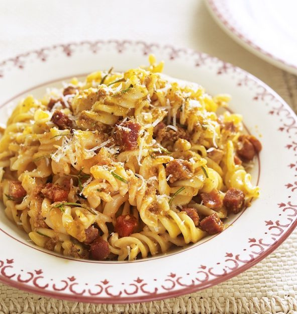 fusilli with tomato pesto