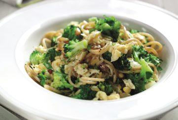 spaghetti with egg and broccoli